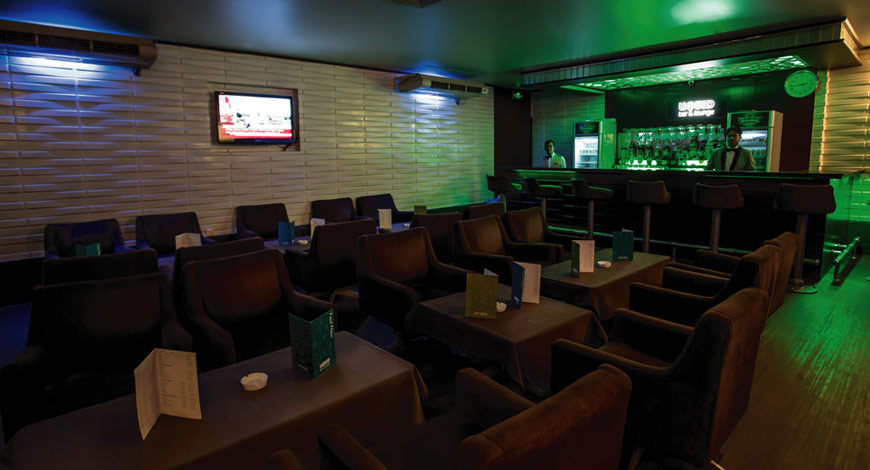 Liquid Bar & Lounge